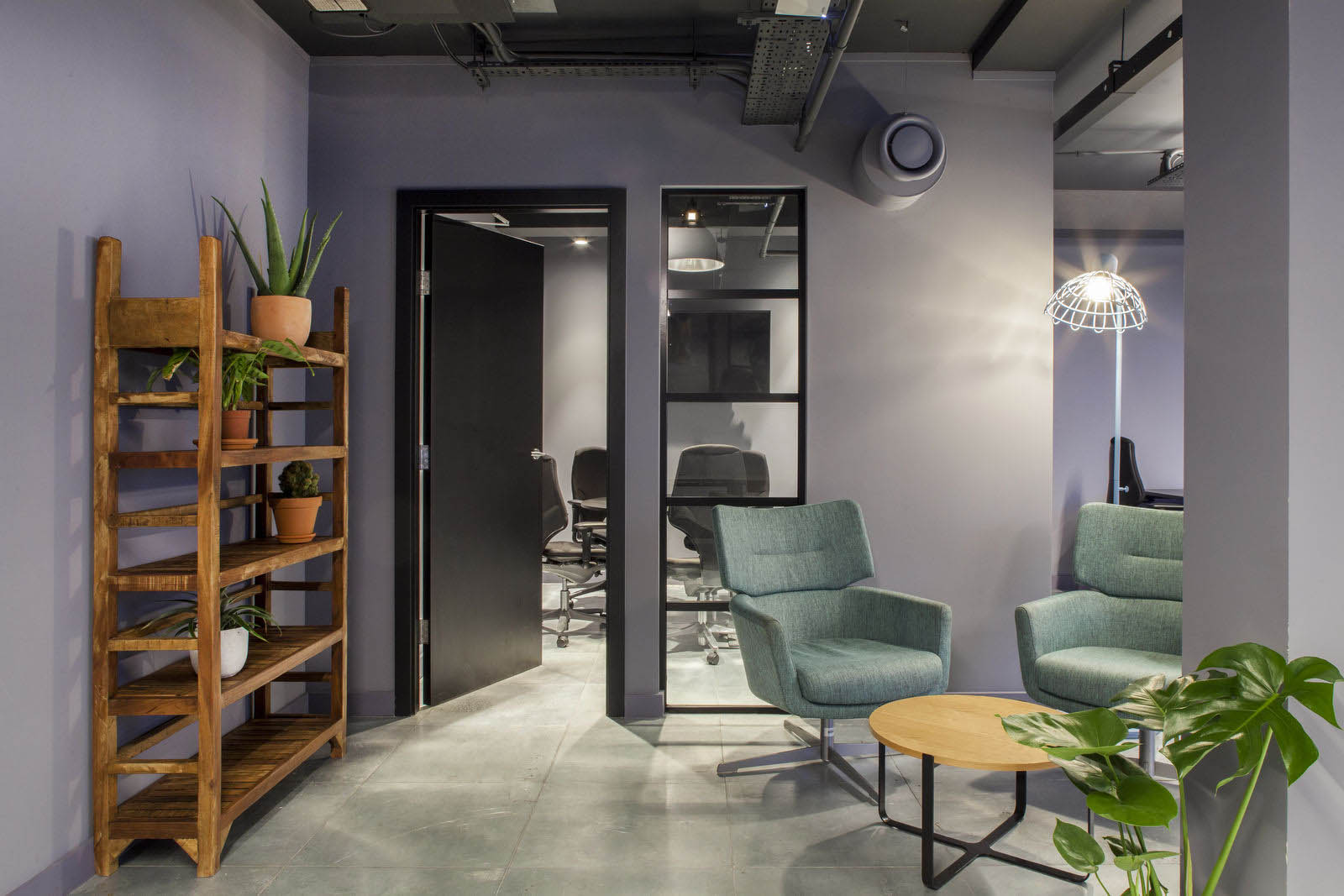 Private offices vs. co-working: Finding the balance