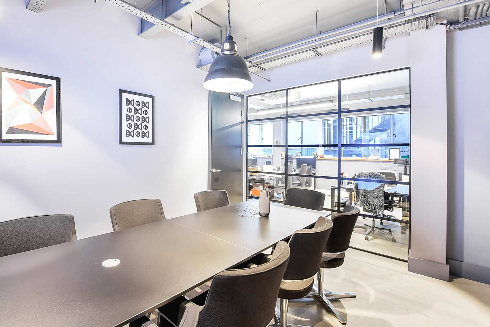 Office with meeting rooms in Shoreditch