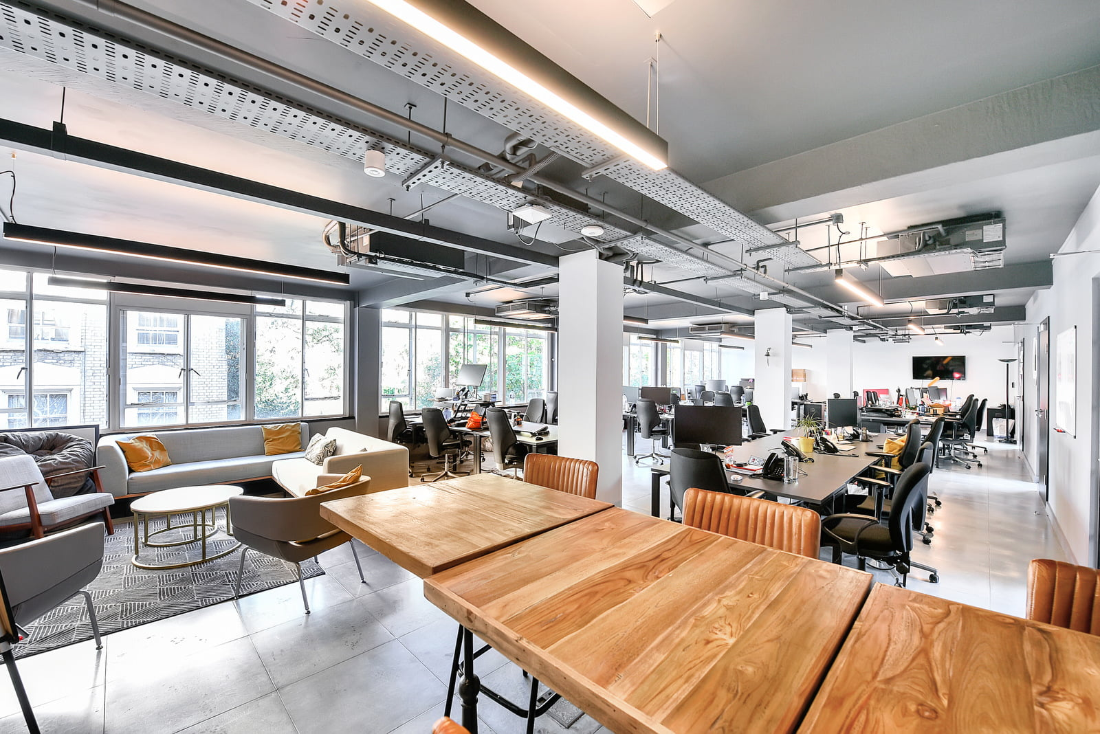 A guide to office rent in London - Old Street