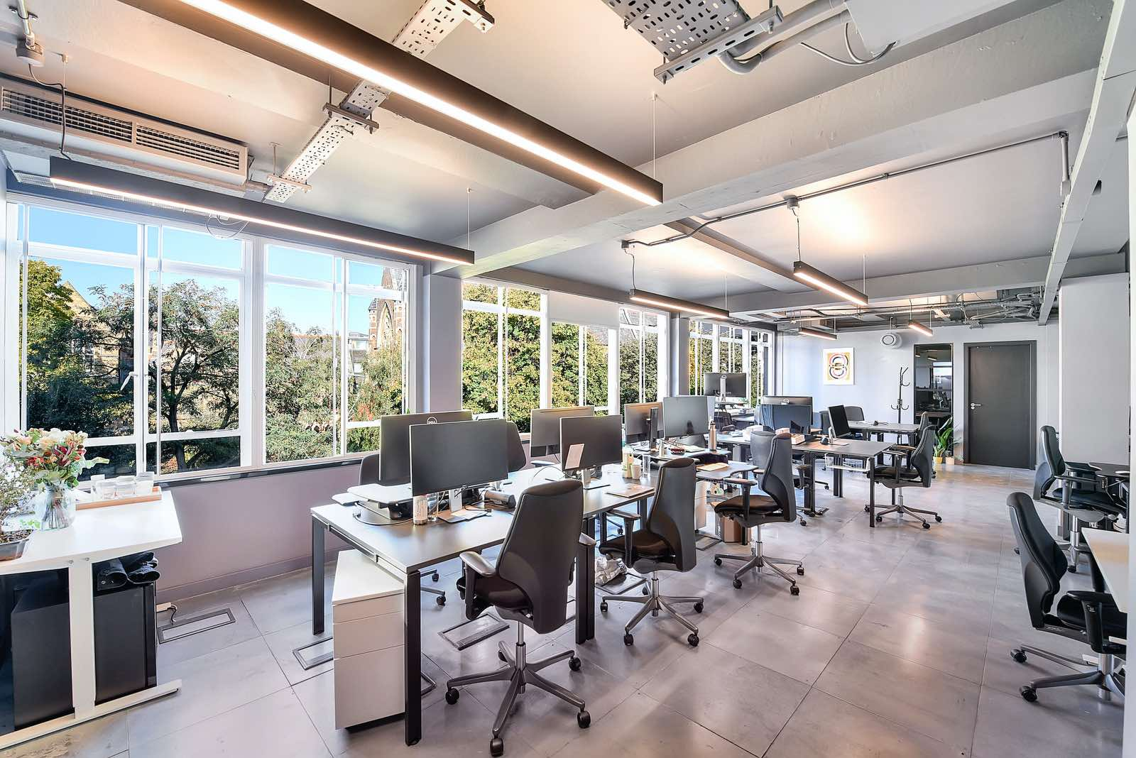 What is a serviced office? Flexible Office Terms That Work Around You and Your Business