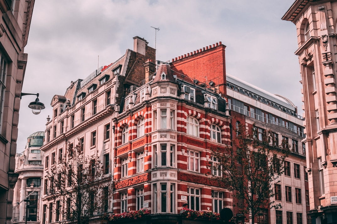 Guide to renting an office space in central London - West End
