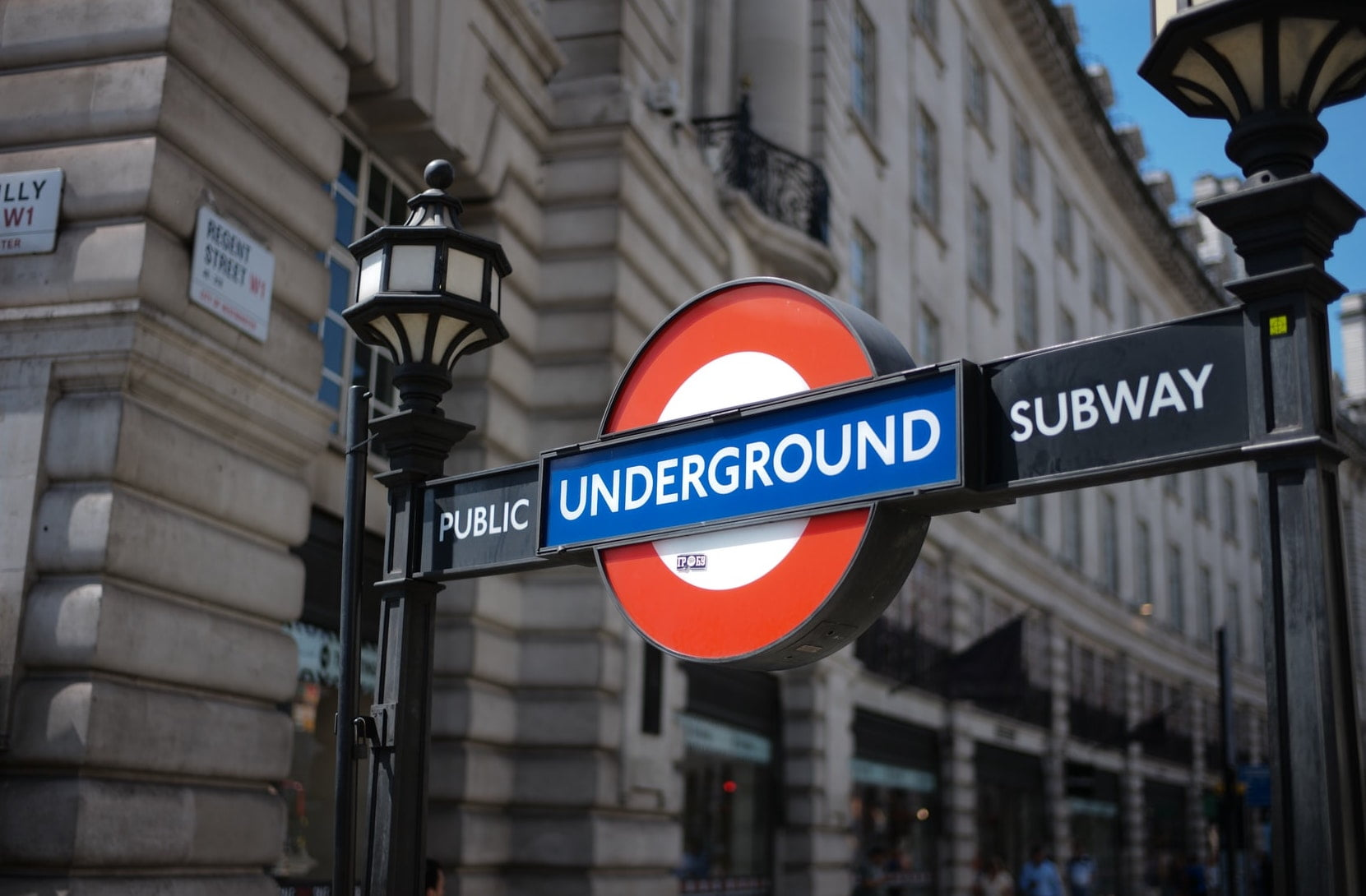 Startup office space Mayfair and the West End - Travel Links